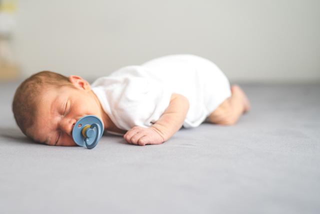 NeugeborenenfotografKoeln, Newbornfotografköln, Neugeborenenfotografköln, Neugeborenenshootingköln, Neugeborenenfotosköln