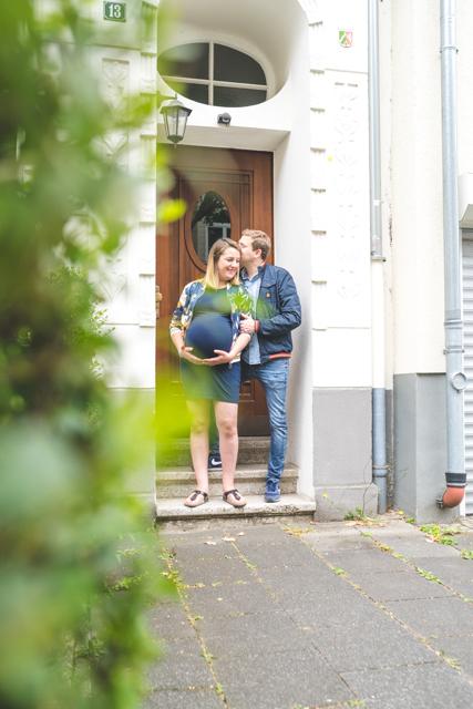 natürliches Babybauchshooting Köln, babybauchfotos, Knipskind, Schwangerschaftsfotografie, Fotograf Babybauch Köln Nippes