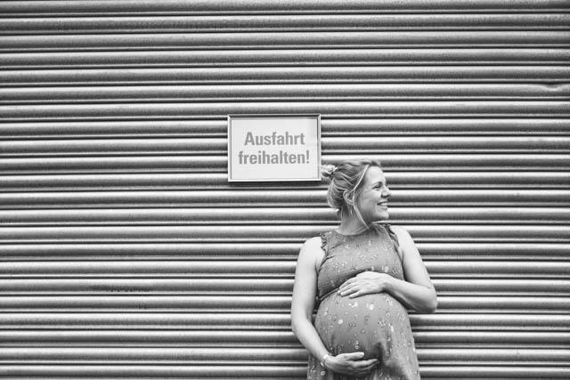 Babybauchshooting, Babybauchfotograf, natürliches Babybauchshooting, Outdoorfotos Babybauch