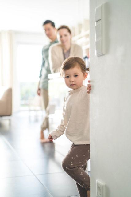Familienfotograf, natürliches Familienshooting, Homestory, Familienreportage